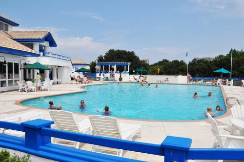 monteray shores  community pool
